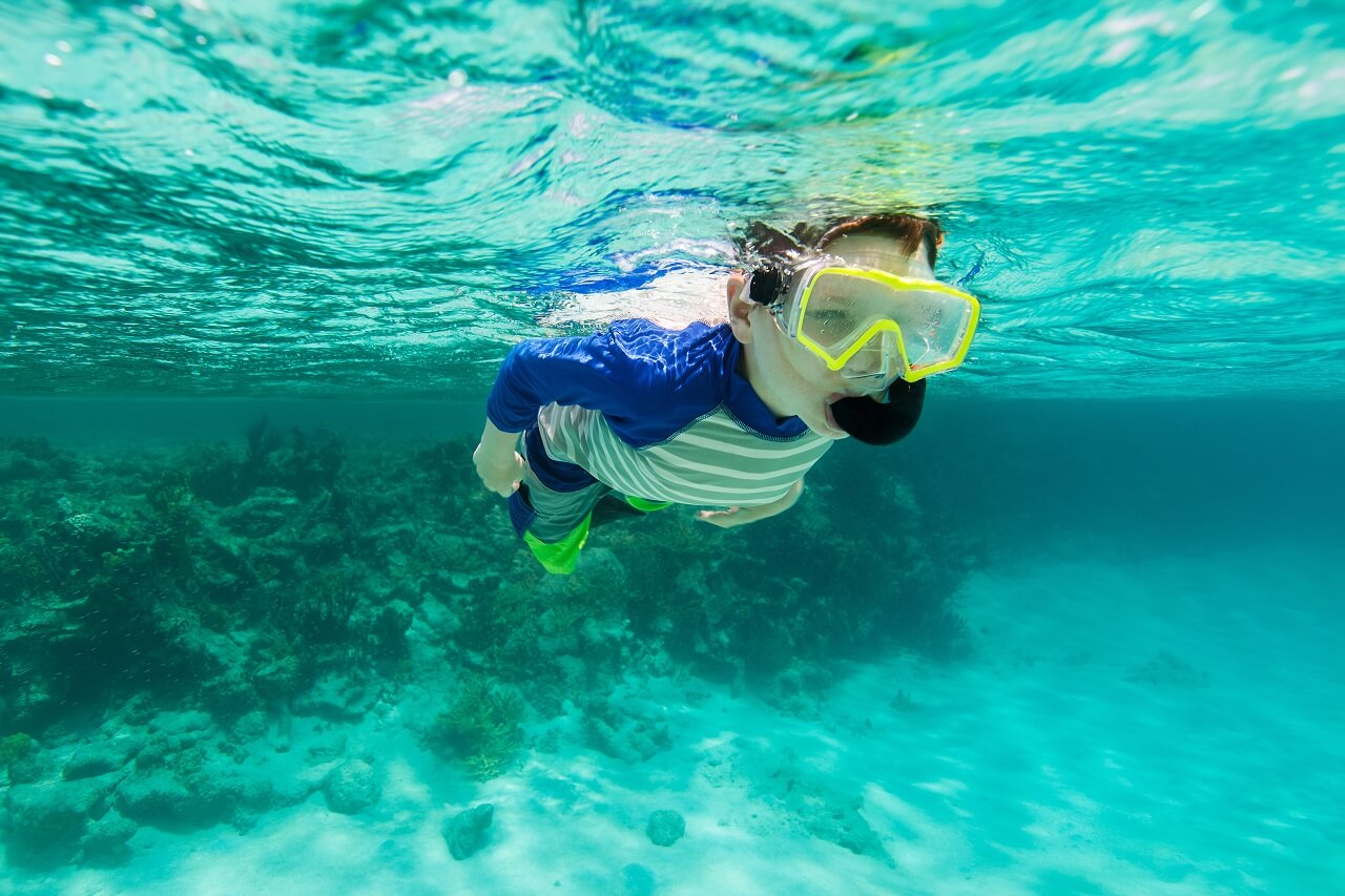 Diving and snorkeling for kids in the Maldives: what age to start, prices, tips